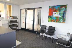 240 m2 Büro- oder Praxisräume am Meierhofplatz im Zentrum von Zürich-Höngg