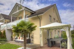 Grosszügiges 5.5-Zimmer-Doppeleinfamilienhaus mit Hobbyraum und Carport