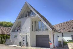 Spannendes 5.5-Zimmer-Einfamilienhaus mit grosszügiger Wohnfläche