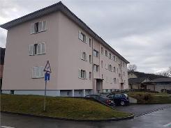 NEUE 2.5 Zimmer Wohnung mit Balkon an ruhiger Lage