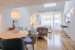 Duplex en attique meublé aux Eaux vives